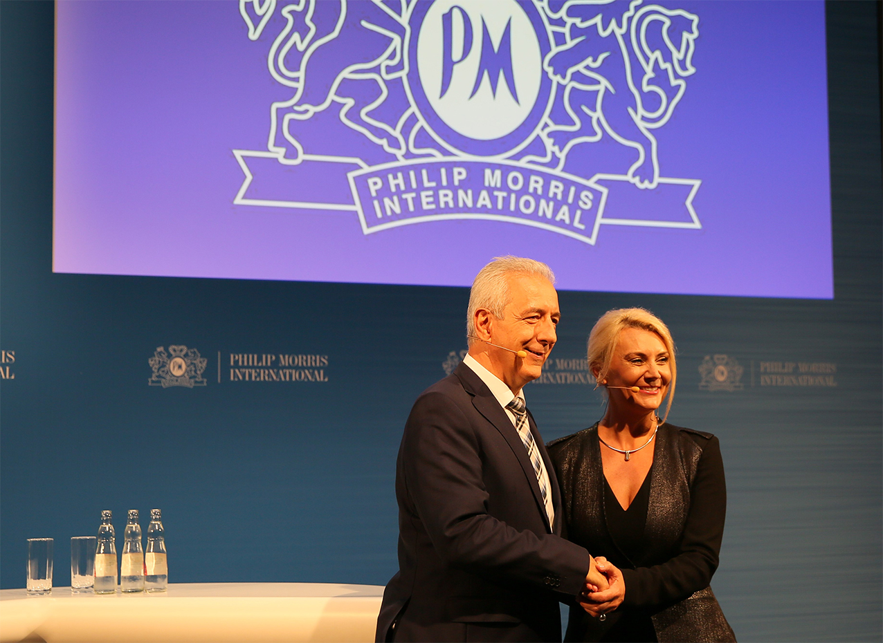 Spaeker on stage at IQOS international press conference realised by prio Event Management.