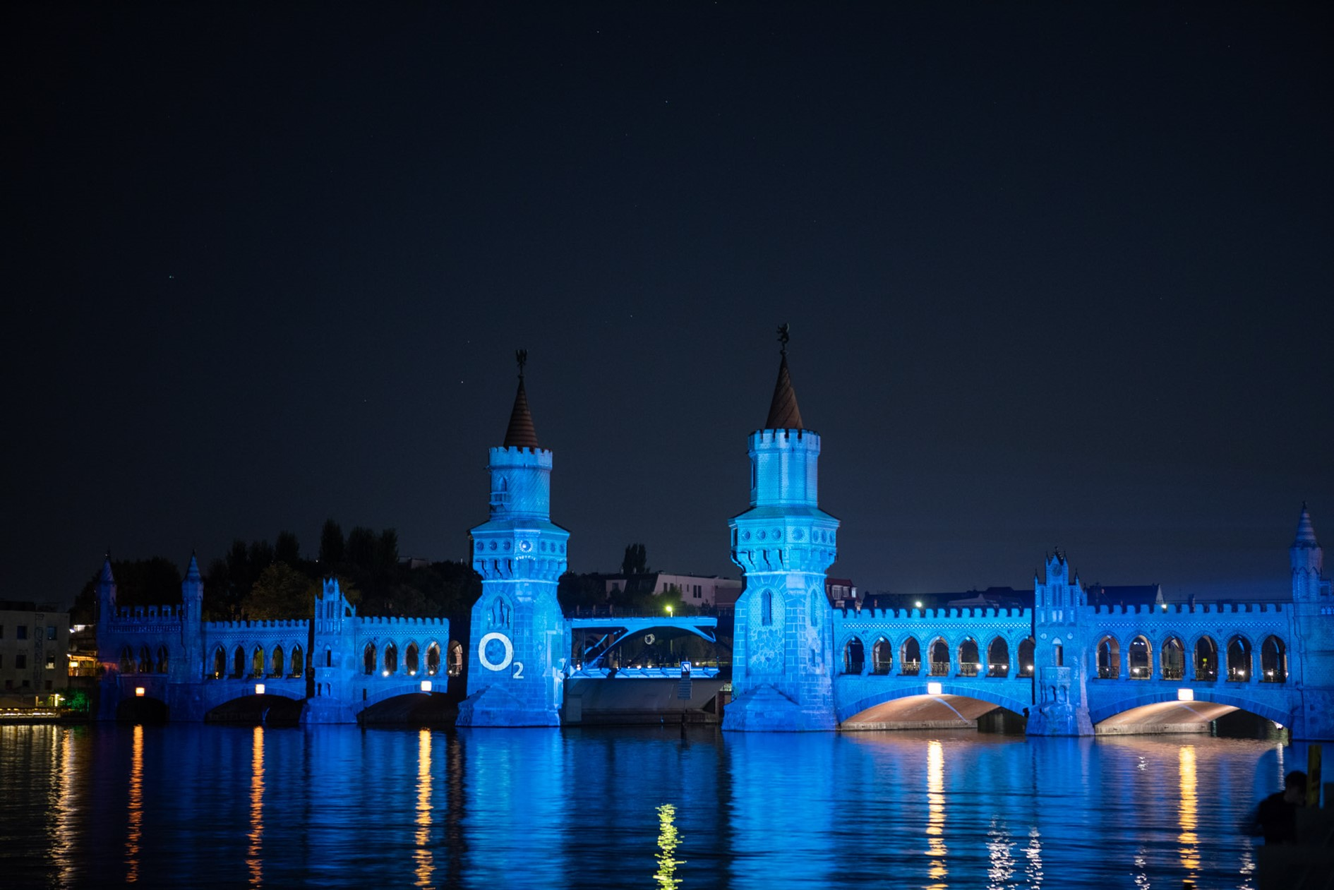 O2 Germany 5G-launch projection mapping Oberbaum Bridge by prio Event Management